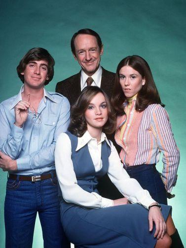 Carson, Ned, George och Kitty/Nancy - de återkommande karaktärerna från serien.