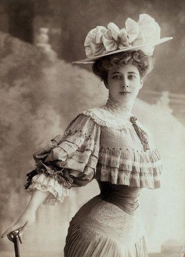 Korsettklädd dam